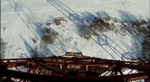 BASE JUMP from High Voltage Line Goes WRONG in Konakova, Russia