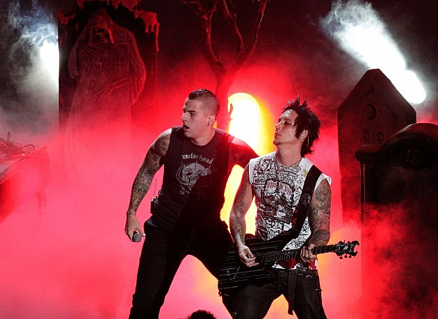 Matt Shadows And Synyster Gates se Beijando m Shadows And Synyster Gates